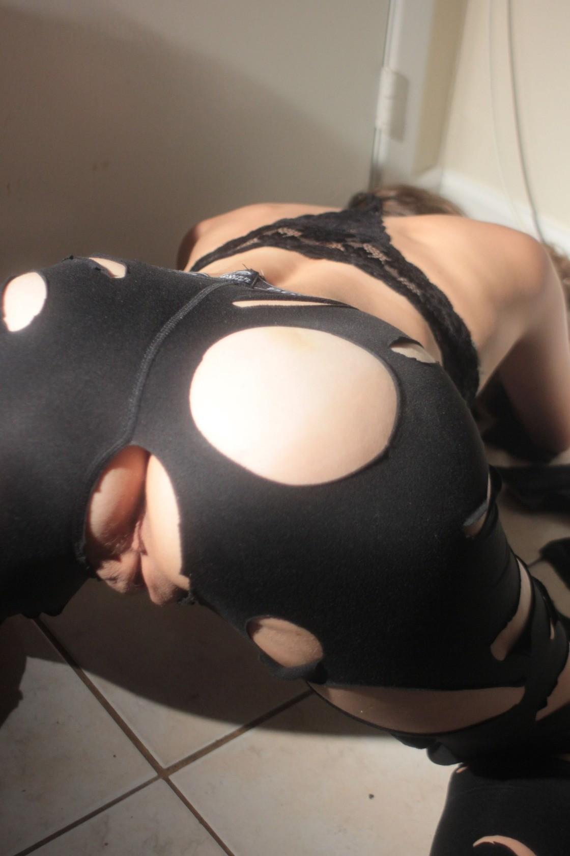 Буфера и обнаженная вагина стеснительной любовницы